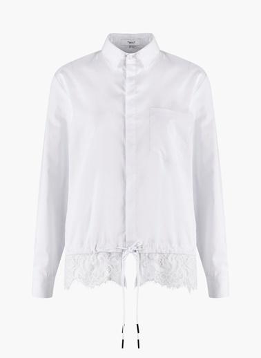 Eteği Güpür Geçişli Gizli Patlı Gömlek Bluz-Twist